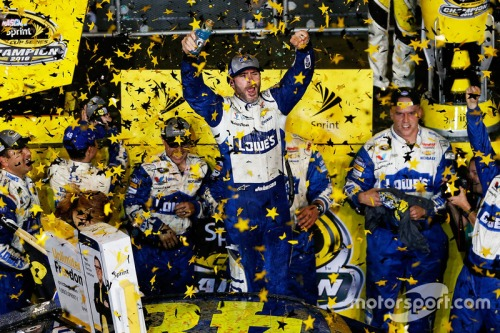 nascar-cup-homestead-2016-2016-champion-and-race-winner-jimmie-johnson-hendrick-motorsport