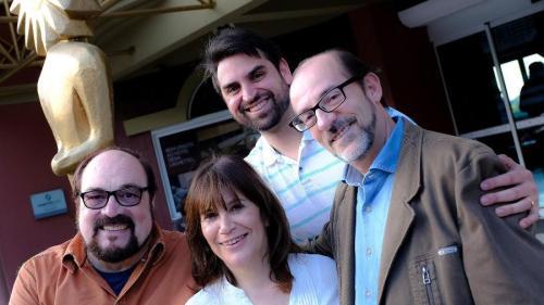 Os curadores do Festival de Cinema de Gramado, Rubens Ewald Filho, Eva Piwowarski e Marcos Santuario, com Enzo Arns, diretor da Gramadotur. (Crédito: Divulgação)